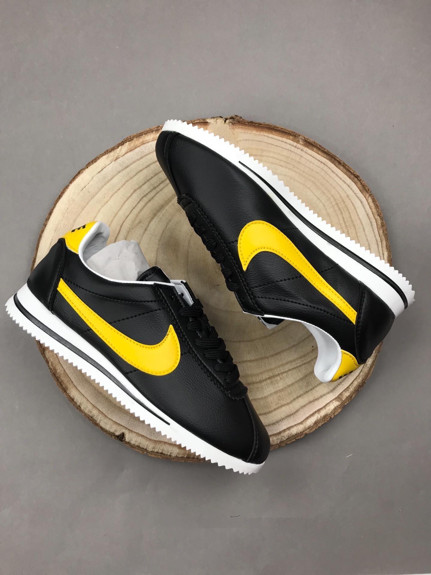 Nike Cortex Deluxe Bee Edition