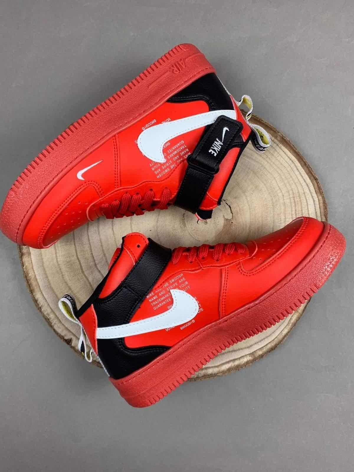 Nike Air Force bota rojas