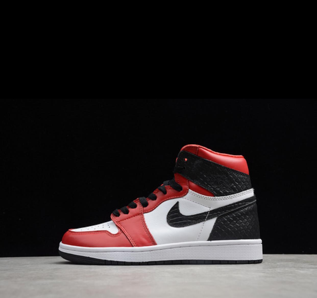 "Air Jordan 1 Mid ""Chicago Toe"""