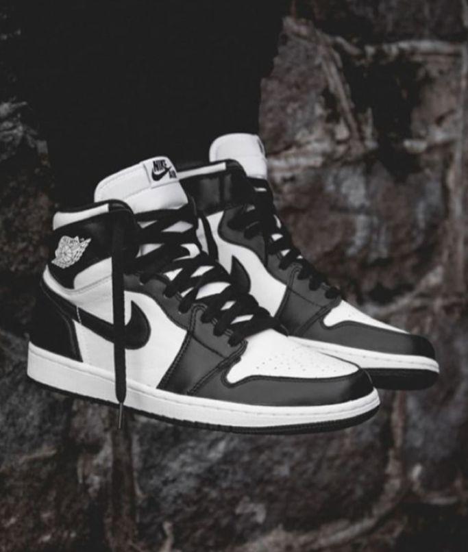 Air Jordan Retro 1 High Blanco y Negro