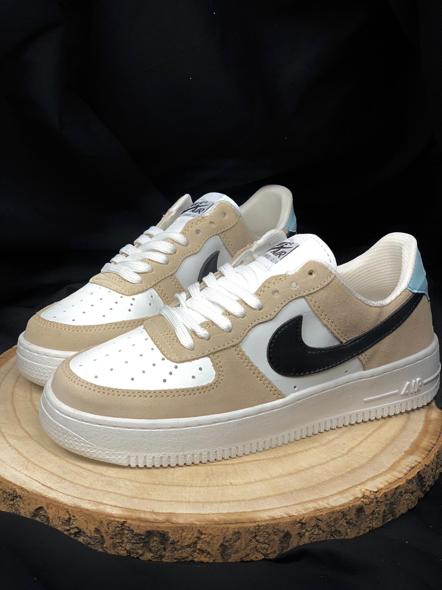 Nike air force marrones