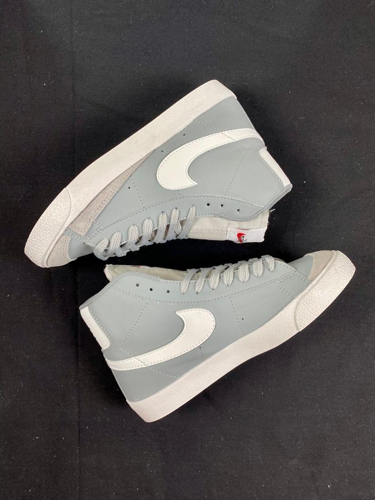 Nike Blazer Mid 77 Vintage Grises
